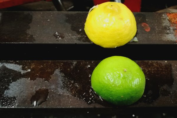 Fjern rust med citrosaft eller limesaft og salt
