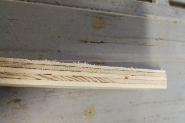 Undgå flosser når du saver plader på rundsaven