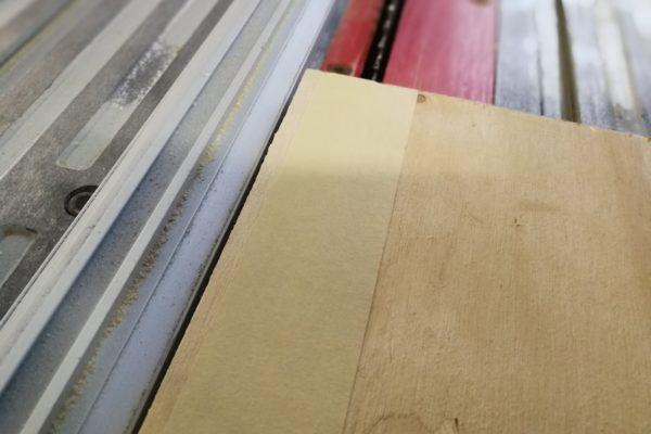 Brug malertape til at undgå flossede kanter